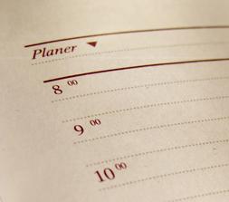 Planlæggeren planlægger, hvad og hvornår opgaver skal løses og sender opgaverne til Arbejderen