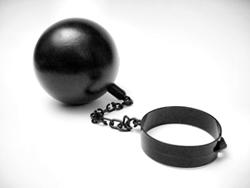 Gæld er som et fængsel. For hver gang du låner penge, låser du endnu er dør bag dig og vejen tilbage bliver endnu længere!